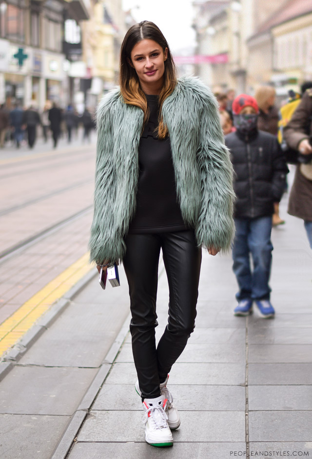 How to Wear Sport-lux Outfit with a Faux Fur Jacket - People u0026 Styles