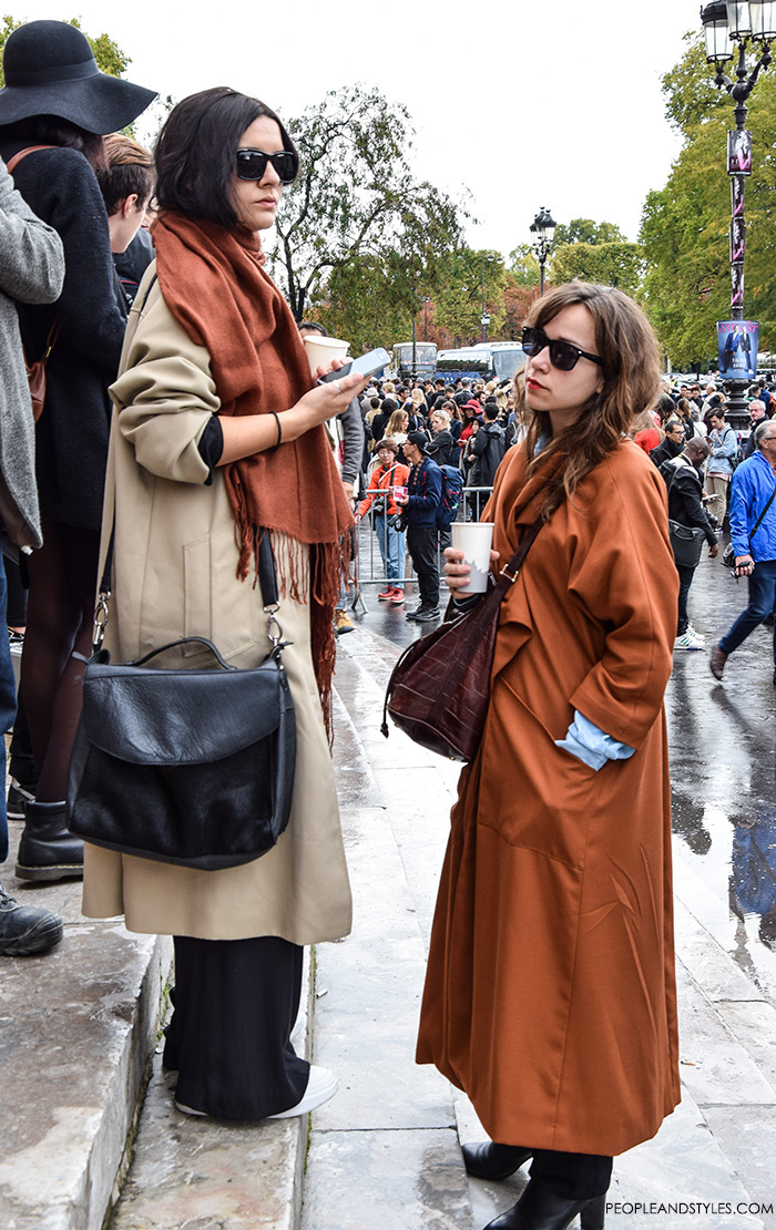 Paris street style Parisien chic, how to wear vintage trench coat and long scarf
