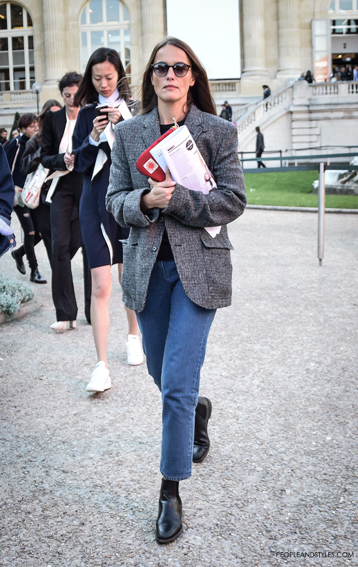 Fashion web, fashion designs, fashion design, fashion styling, fashion websites, Cropped jeans pair well with oversized relaxed blazers, Women's fashion, wear-to-work outfits, street style Paris