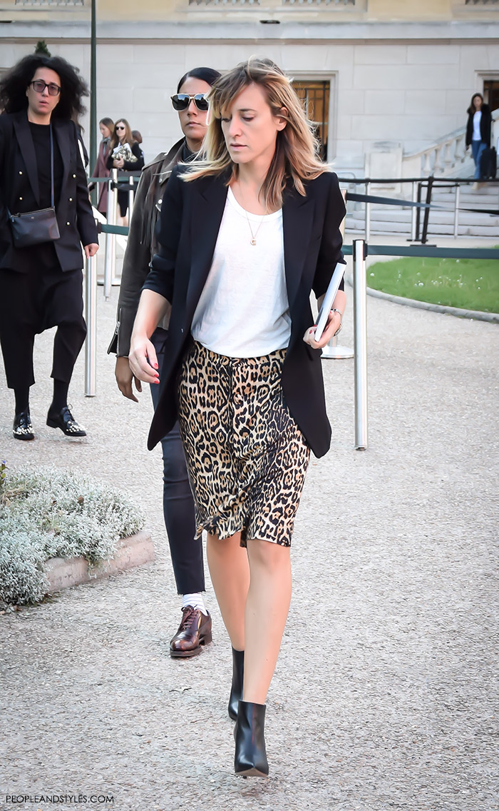 Fashion web, fashion designs, fashion design, fashion styling, fashion websites, Mix leopard print with basics like white tee and black blazer, Women's fashion, wear-to-work outfits, street style Paris