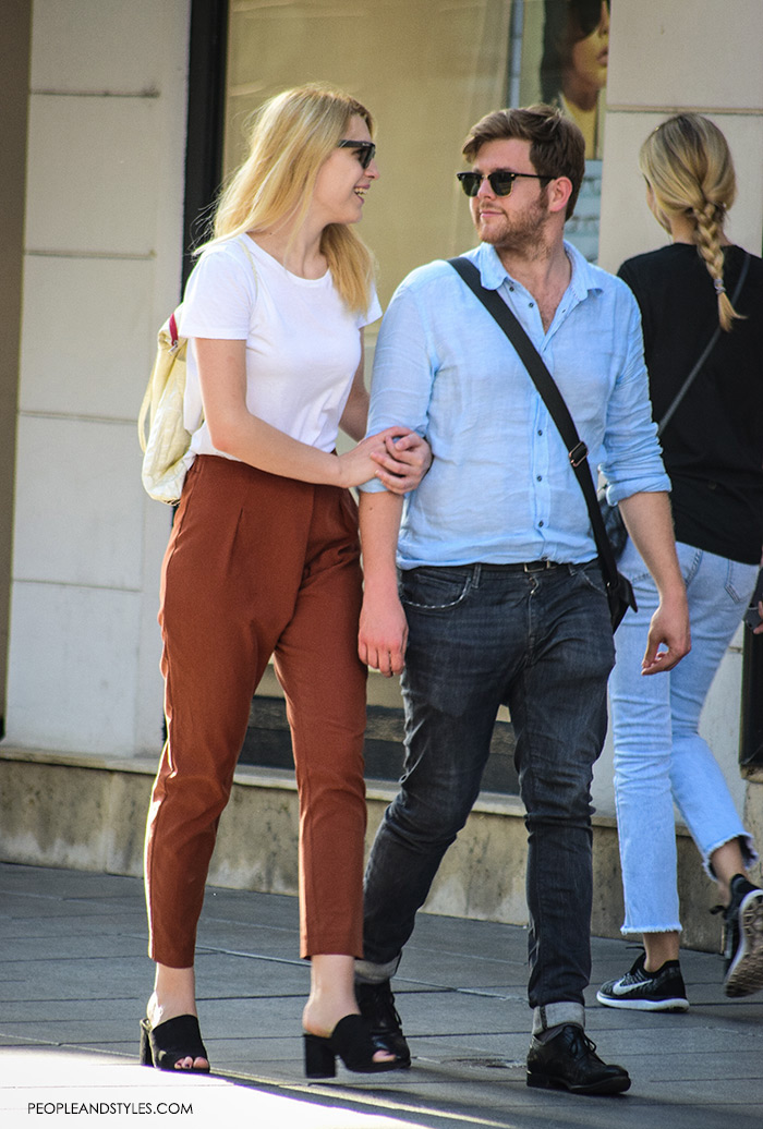 Street style summer 2016, couples street fashion, mens's fashion blue button down shirt and rolled up jeans