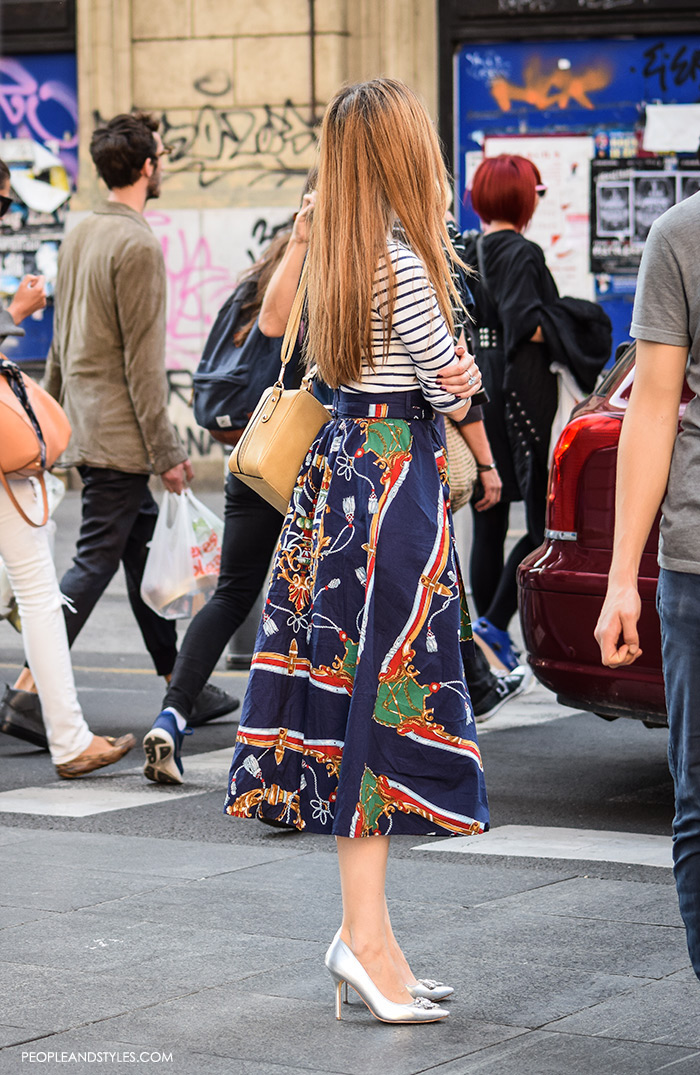 how to wear stylish street style looks with metallic pleated skirts and metallic pumps