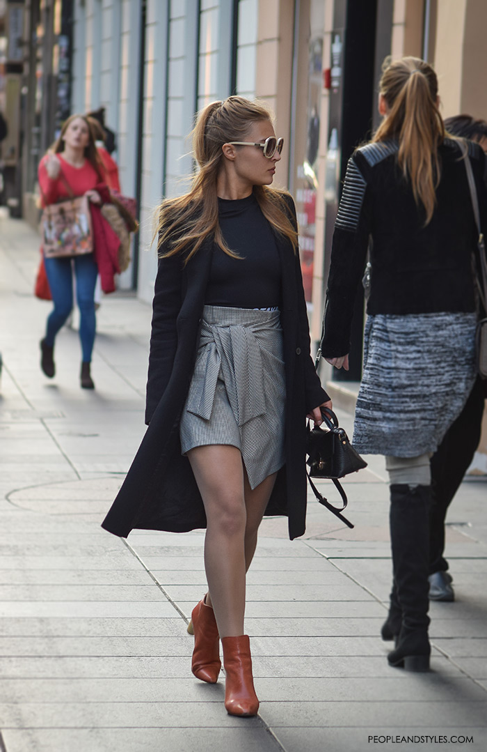 d2523d802 Fall Look: How to Wear a Mini Skirt and Ankle Boots – Fashion Trends ...