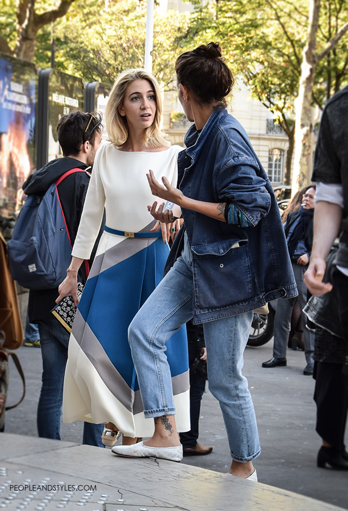 How to wear denim jacket, How to wear midi dresses for women with sleeves silver shoes Paris Fashion Week spring street style women's fashion look