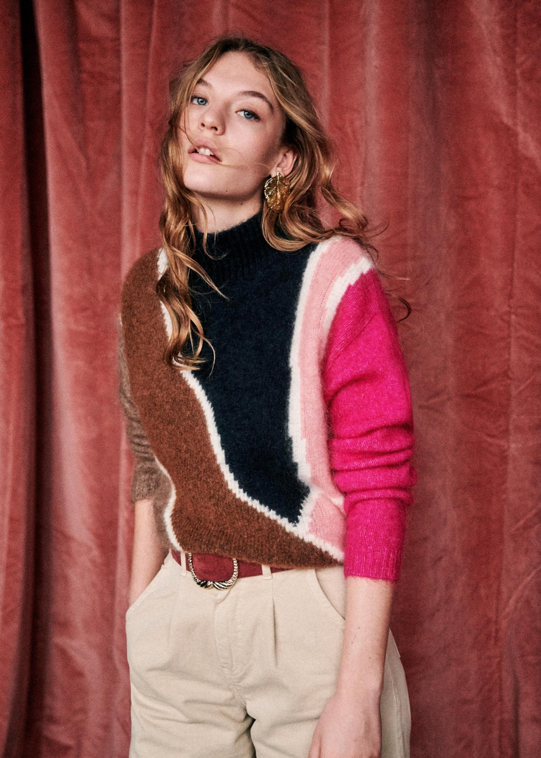 how to wear beautiful colorful jumper Sezane